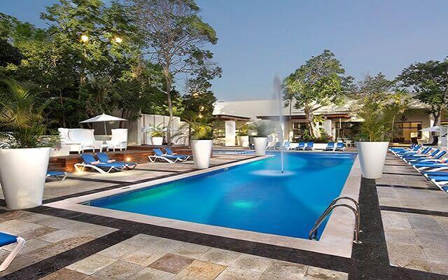 Hotel Oasis Tulum Lite, disfruta de su alberca al aire libre