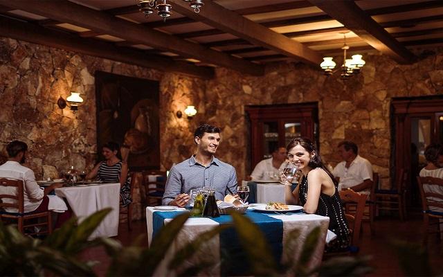 Hotel Occidental at Xcaret Destination, Los Olivos