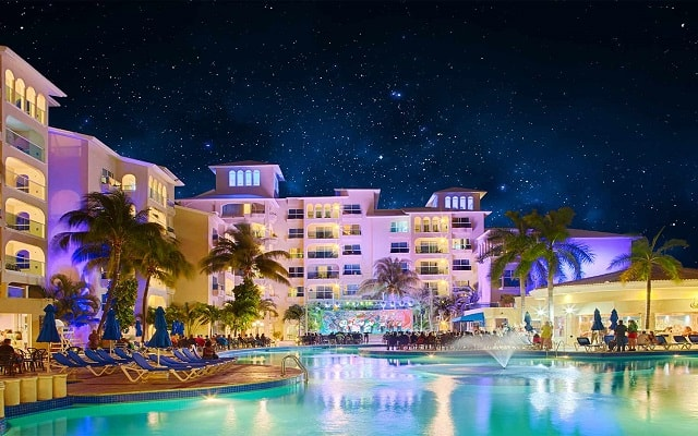 Hotel Occidental Costa Cancún, noches inolvidables