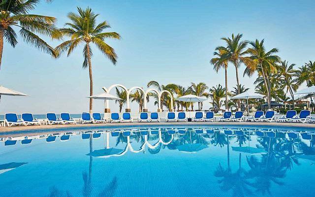 Hotel Occidental Nuevo Vallarta, disfruta de su alberca al aire libre
