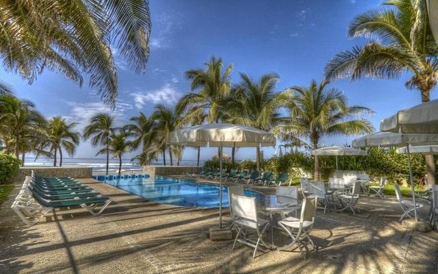 Hotel Ocean Breeze Acapulco, disfruta de su alberca al aire libre