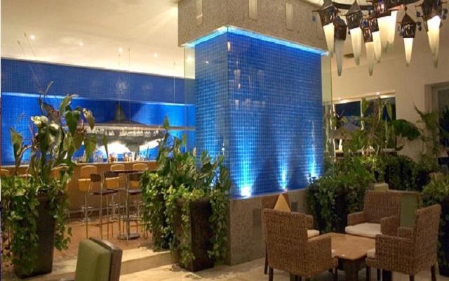 Hotel Ocean Breeze Nuevo Vallarta, Restaurante Blue Nautique and Sports Bar