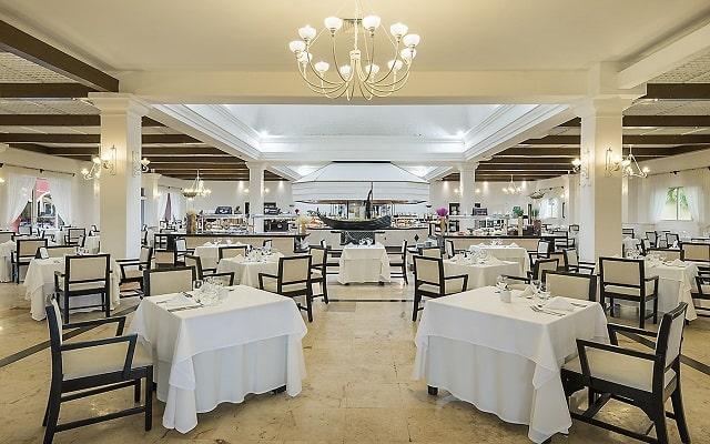 Hotel Ocean Maya Royale Sólo Adultos All Inclusive, variedad de menús para tus alimentos