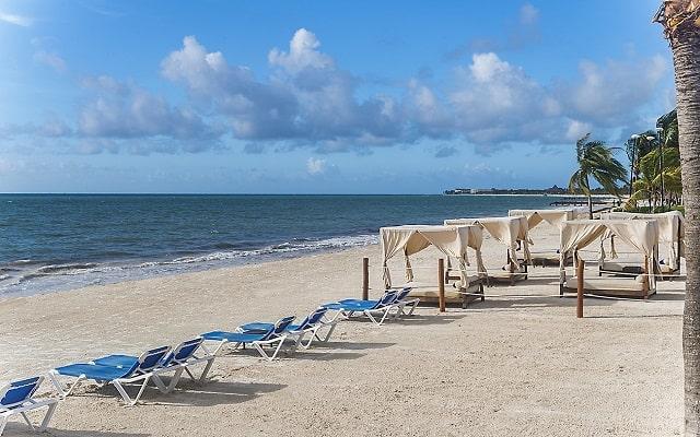 Hotel Ocean Maya Royale Sólo Adultos All Inclusive, disfruta de la playa