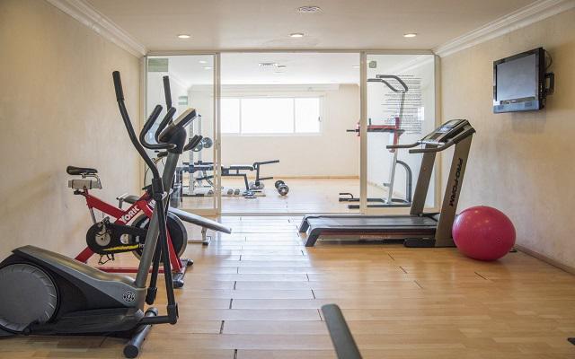 Visita la sala de ejercicios