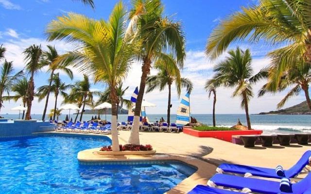 Hotel Océano Palace Mazatlán, disfruta de su alberca al aire libre