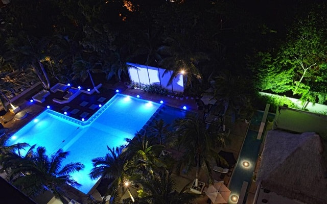Hotel Oh! The Urban Oasis, vista nocturna