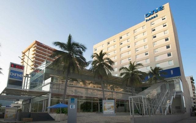 Hotel One Acapulco Costera en Zona Dorada