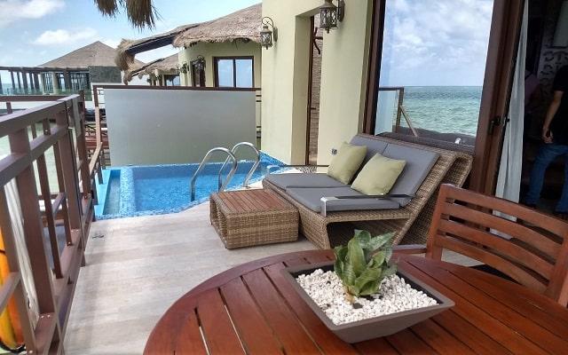 Hotel El Dorado Palafitos by Karisma, admira la belleza del mar