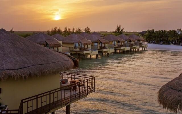 Hotel Palafitos Overwater Bungalows by Karisma, disfruta un viaje soñado