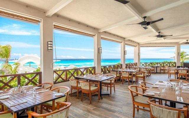 Hotel Panamá Jack Resorts Gran Caribe Cancún, ambientes únicos