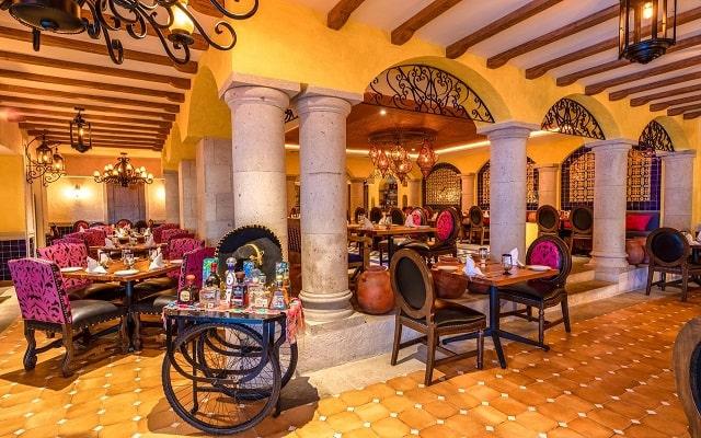 Hotel Panamá Jack Resorts Gran Caribe Cancún, espacios de diseño