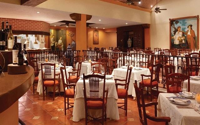 Hotel Panama Jack Resorts Gran Porto Playa del Carmen, sitio ideal para tus alimentos