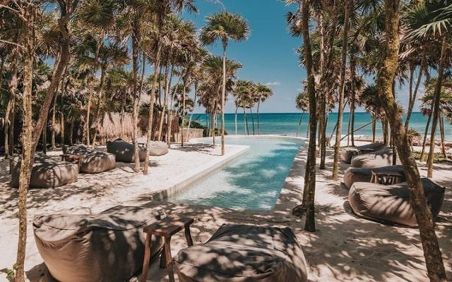 Hotel Papaya Playa, disfruta su alberca al aire libre