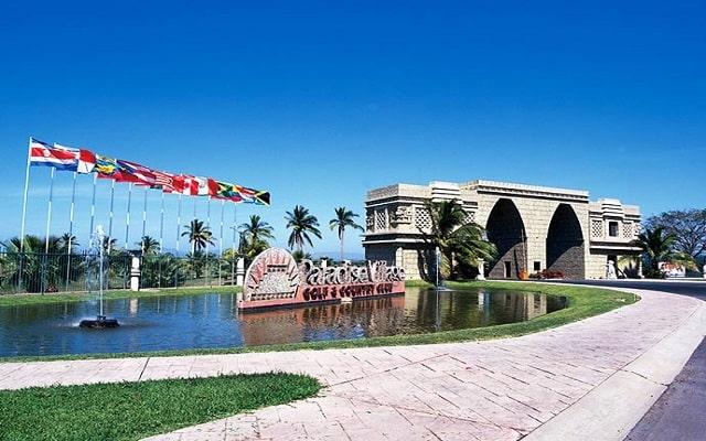 Hotel Paradise Village Beach Resort and Spa, ingreso