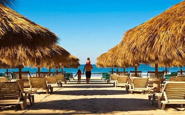 Hotel Paradise Village Beach Resort and Spa, amenidades en la playa para tu descanso
