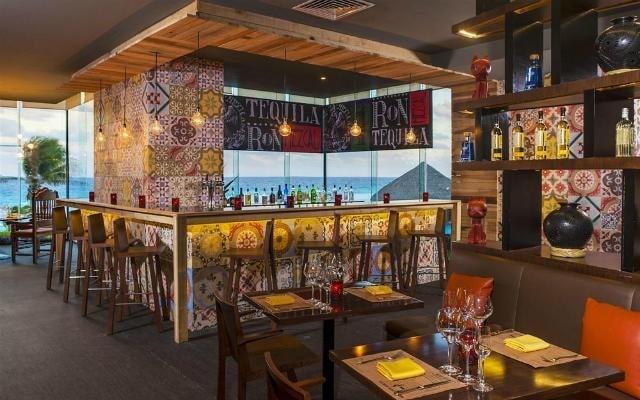 Hotel Paradisus Cancún Resort by Meliá, disfruta una copa en el bar
