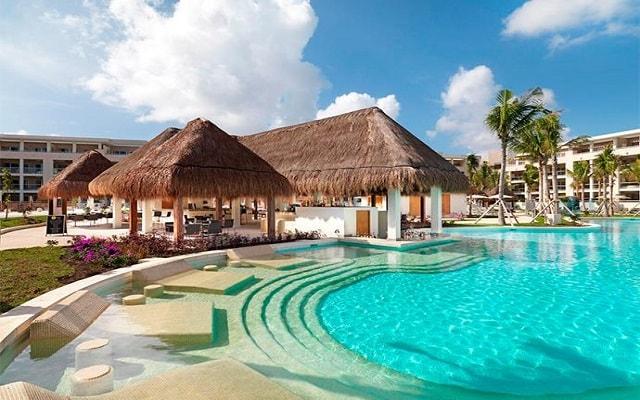 Hotel Paradisus Playa del Carmen La Esmeralda, disfruta de su alberca al aire libre