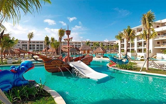 Hotel Paradisus Playa del Carmen La Esmeralda, barco pirata