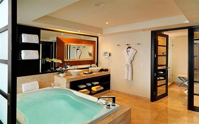 Hotel Paradisus Playa del Carmen La Esmeralda by Melia, disfruta del jacuzzi en la comodidad de tu habitación