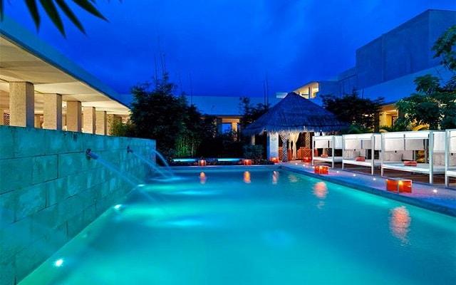 Hotel Paradisus Playa del Carmen La Esmeralda by Melia, alberca del spa