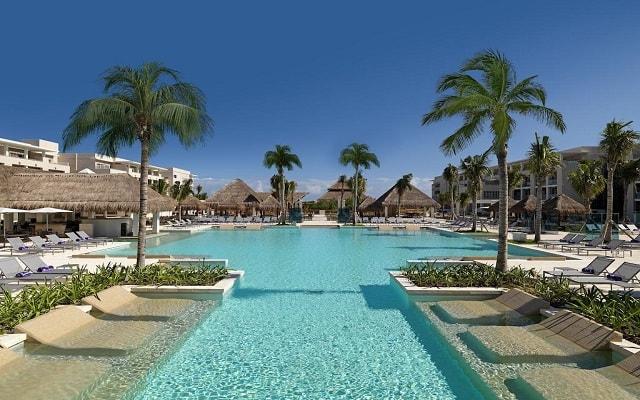 Hotel Paradisus Playa del Carmen La Perla By Meliá, disfruta de su alberca al aire libre