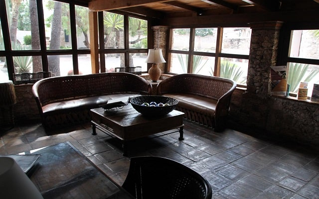Hotel Parador Vernal, lobby