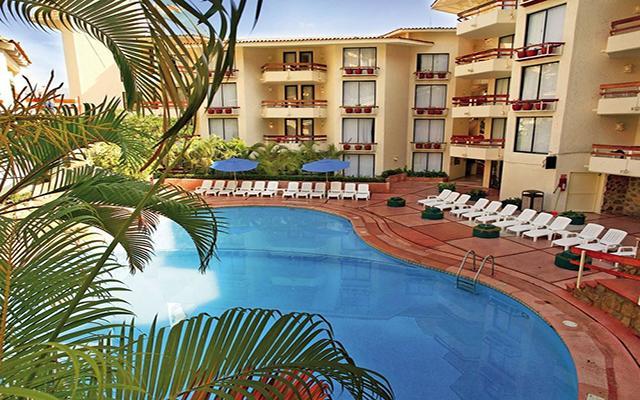 Hotel Park Royal Acapulco, disfruta de su alberca al aire libre