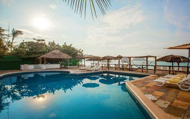 Hotel Park Royal Huatulco, relájate en su hermosa alberca
