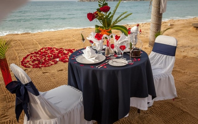 Hotel Park Royal Huatulco, cena romántica junto al mar
