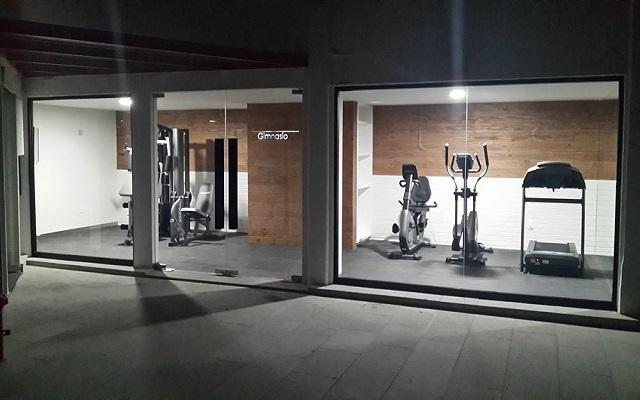 Hotel Perla Central, continúa tu rutina de ejercicio en el gimnasio