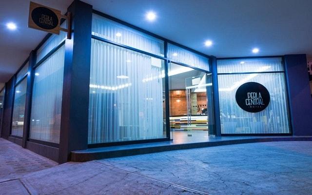 Hotel Perla Central, ingreso