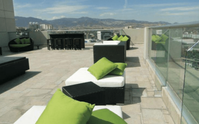 Hotel Pia Suites, azotea con vistas a las montañas
