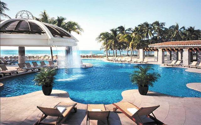 Hotel Pierre Mundo Imperial Riviera Diamante Acapulco, disfruta de la alberca al aire libre