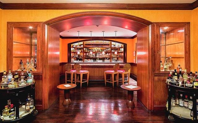 Hotel Pierre Mundo Imperial Riviera Diamante Acapulco, disfruta una copa en el bar