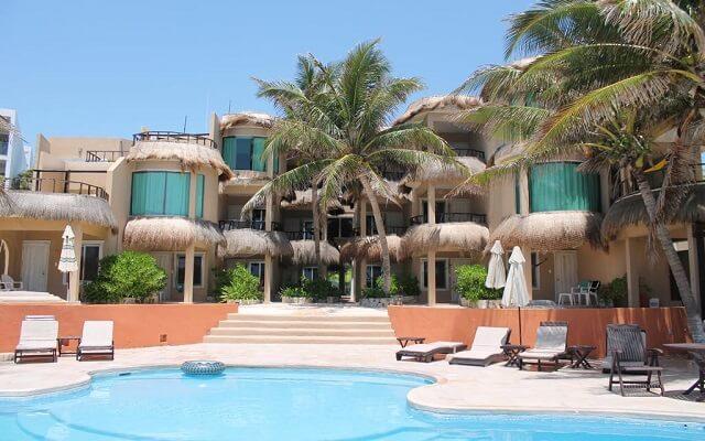 Hotel Playa la Media Luna en Isla Mujeres