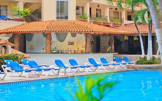 Hotel Playa Los Arcos Beach Resort and Spa, relájate en la comodidad de sus camastros