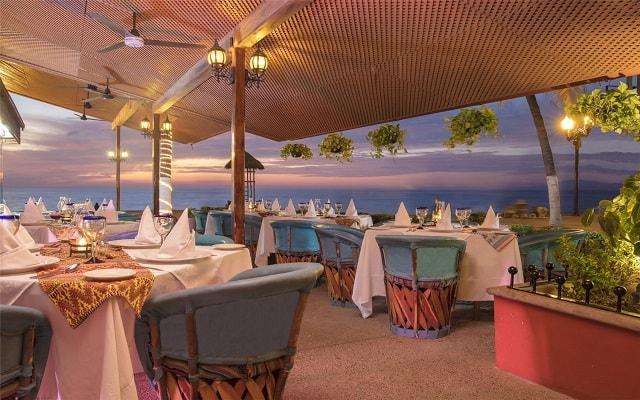 Hotel Playa Los Arcos Beach Resort and Spa, gastronomía de calidad