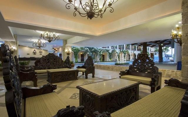 Hotel Playa Los Arcos Beach Resort and Spa, atención personalizada desde el inicio de tu estancia