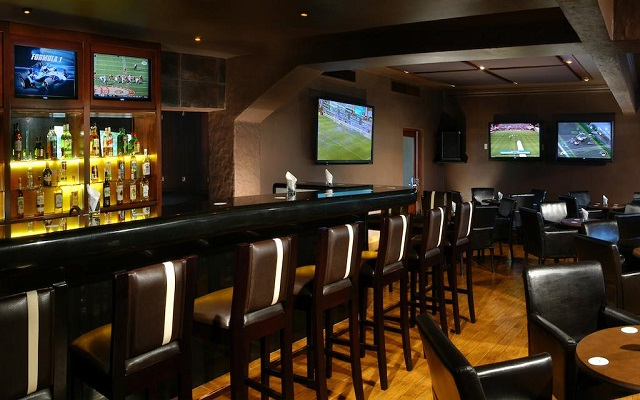 Hotel Playa Mazatlán, disfruta una copa en el bar