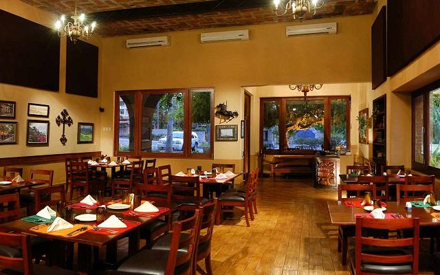 Hotel Playa Mazatlán, Restaurante Casa Roberto