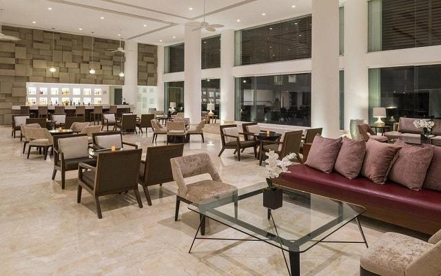 Hotel Playacar Palace, disfruta una copa en el bar