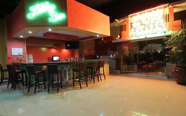 Hotel Plaza Caribe Cancún, disfruta una copa en el bar