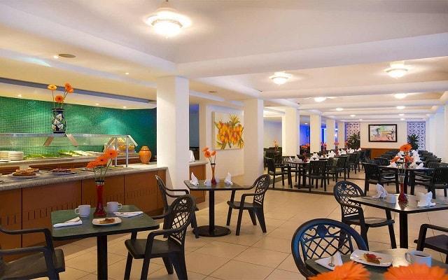 Hotel Plaza Pelícanos Club Beach Resort, gastronomía de calidad