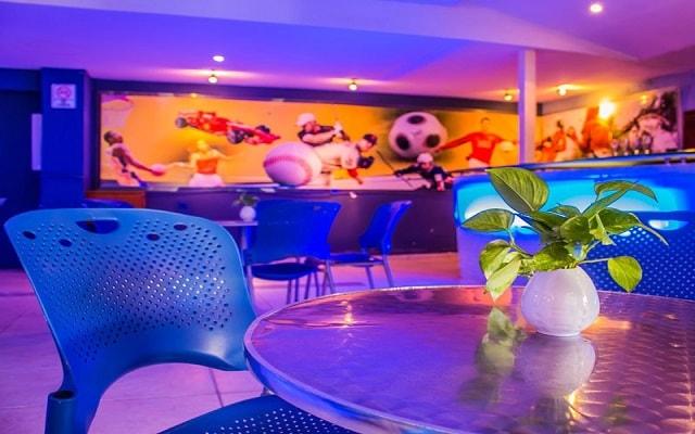 Hotel Plaza Pelícanos Club Beach Resort, disfruta una copa en buena compañía