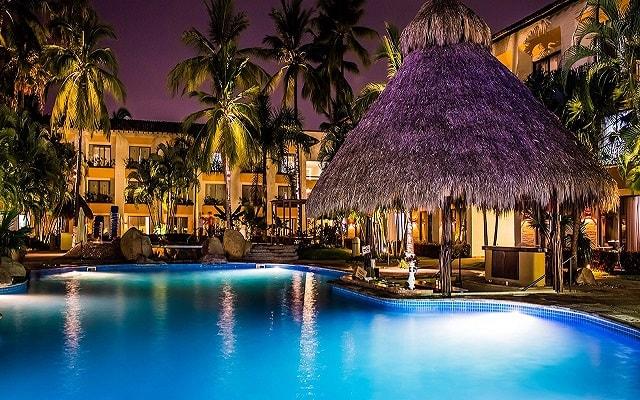 Hotel Plaza Pelícanos Club Beach Resort, disfruta tus noches bajo las estrellas