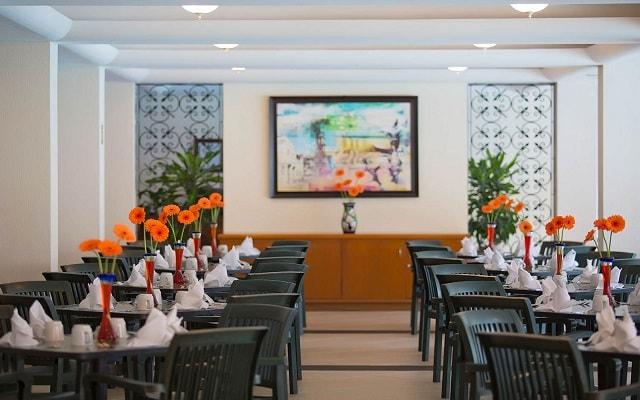 Hotel Plaza Pelícanos Club Beach Resort, rico y variado menú para tus comidas