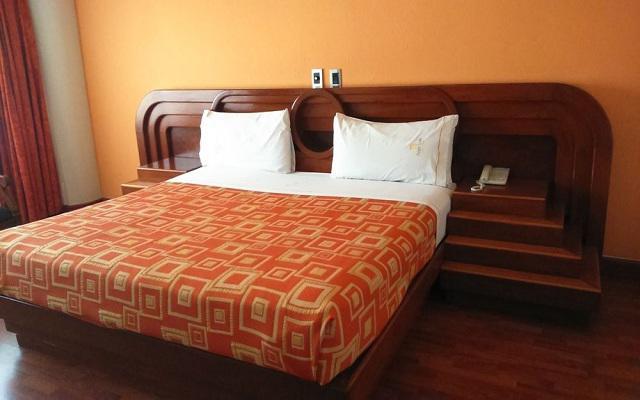Hotel Plaza Solís, luminosas habitaciones