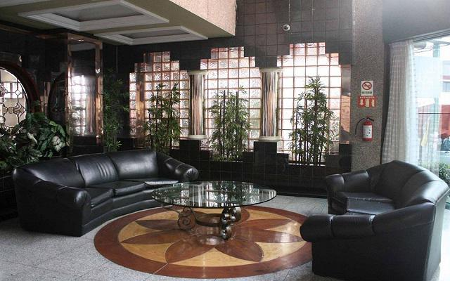 Hotel Plaza Solís, lobby