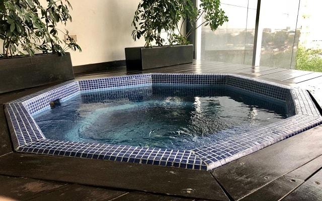 Hotel Plaza Suites México City 2404, relájate en el jacuzzi